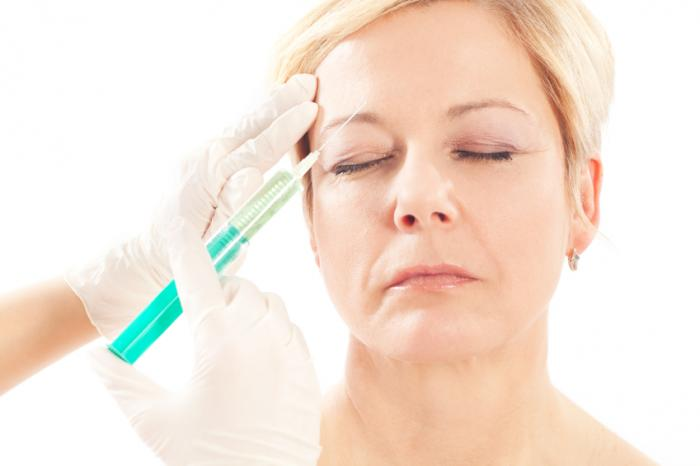 woman-having-botox